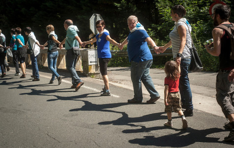 Human chain in Basque Country attracts international press