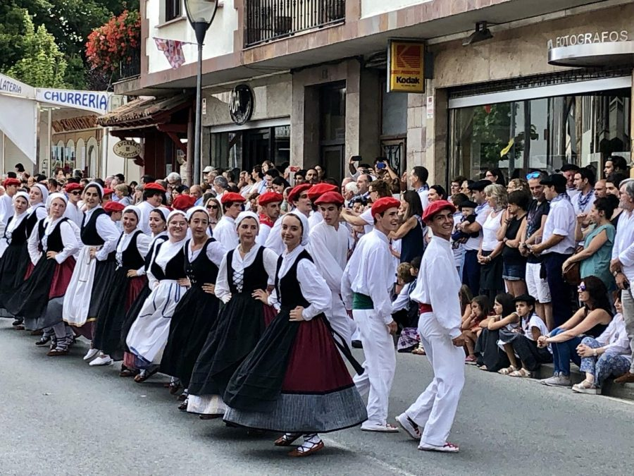 The+California+dancers+traveled+to+the+Basque+Country+to+perform+in+the+Baztan+parade.