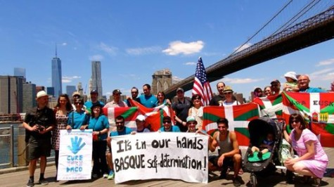 Basques in New York showed their solidarity with the human chain in Hegoalde June 8.
